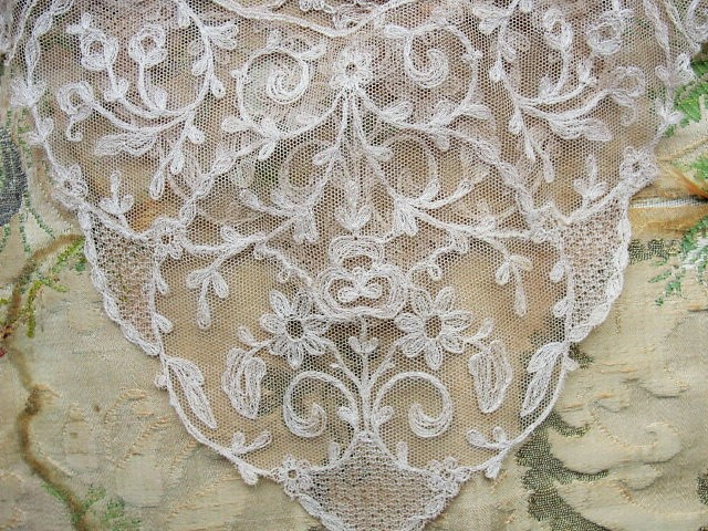 Breathtaking Antique FRENCH Netted Tambour LACE Circular Collar Applique Roses Flowers Bridal Wedding Flapper Era Downton Abbey Gatsby