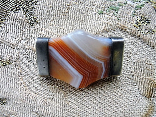 STRIKING Victorian SCOTTISH Striped Agate and Silver Brooch Beautiful Colors Antique Scottish Pebble Jewelry Jewellery