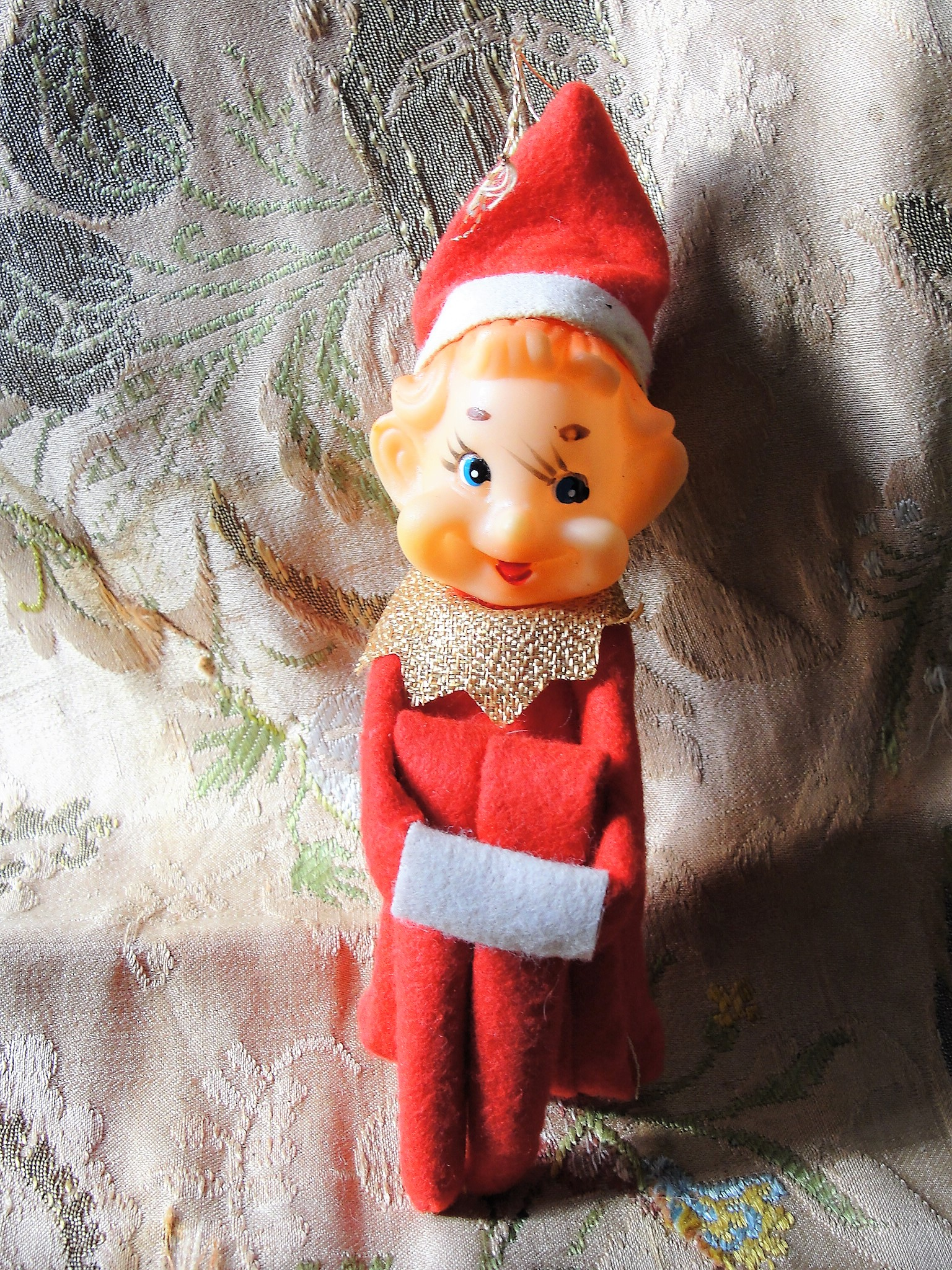 CUTE Vintage 1950s 60s Green Knee Hugger Pixie Elf, Large Size Elf Shelf Sitter Japan Kitsch Elf Kitschy Christmas Ornament Mid Century Christmas Decorations