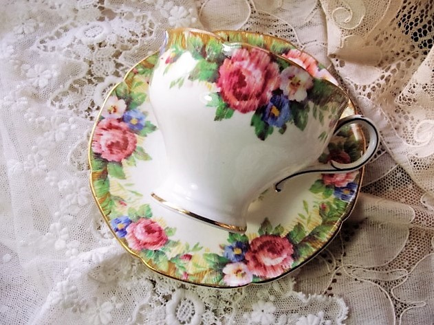 BEAUTIFUL Antique Tea Cup and Saucer TAPESTRY ROSE Paragon English Bone China for Bridal Luncheons,Showers, Hostess Gift, Bridesmaid Gift, Weddings,Tea Parties