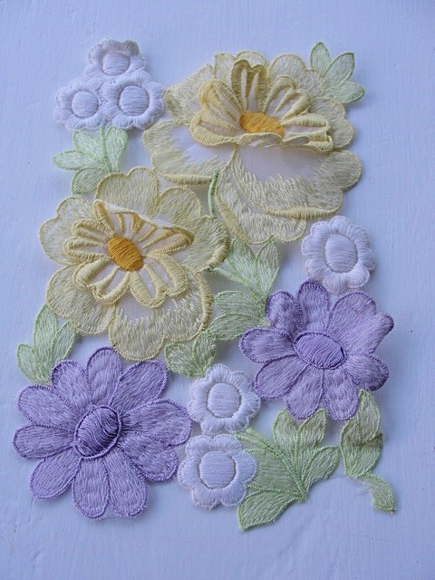 HEAVILY EMBROIDERED VINTAGE APPLIQUE FLOWERS TRIM CORSAGE